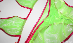 Trivial (Pink/Metalmesh Lime)