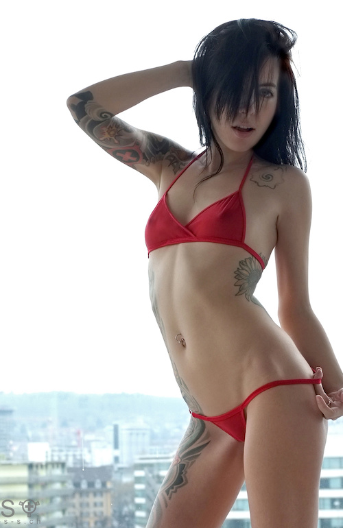 Maria wears Social-Lingerie (Red/Mesh Heat)  Photo: Luis Villalaz