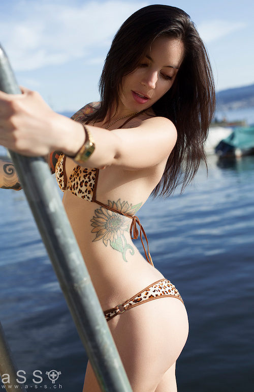 Maria wears Serial-Bikini (Brown/Plush Cheetah)